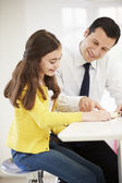 Father Helping Daughter With Homework — Foto de Stock