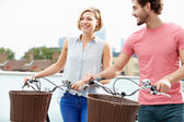 Couple Pushing Bikes — Foto Stock