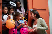 Children Going Trick Or Treating — Foto de Stock