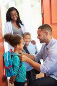 Barn gå i skolan — Stockfoto