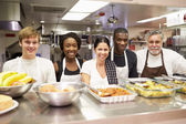 Kitchen Staff In Homeless Shelter — Stock Photo