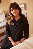 Female Beautician In Clinic — Stok fotoğraf