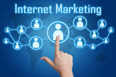 Pulsando el icono de marketing en internet — Foto de Stock