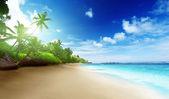 Playa de puesta del sol en la isla de mahe, en seychelles — Foto de Stock