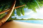 Coucher de soleil sur la plage, île de mahé, seychelles — Photo