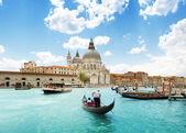 Gran canal y la basílica santa maría della salute, venecia, italia — Foto de Stock