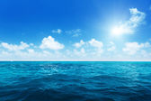 Perfect sky and water of indian ocean — Photo