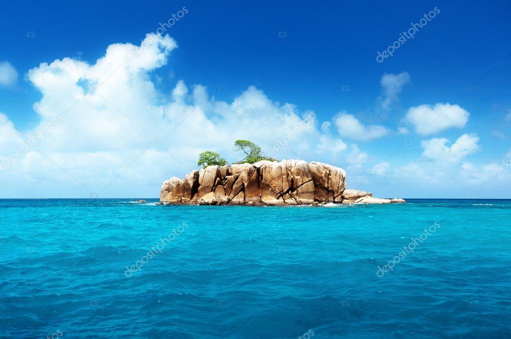 Stone island at Seychelles — Stock Photo #14534095