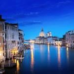 Grand Canal and Basilica Santa Maria della Salute, Venice, Italy — Stock Photo