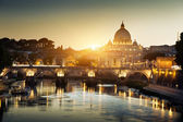 View on Tiber and St Peter Basilica in Vatican — ストック写真