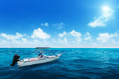 Speed boat and water of indian ocean — Foto Stock