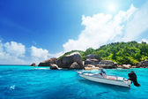 Speed boat on the beach of La Digue Island, Seychelles — Stock Photo