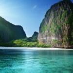 Morning time at Maya bay, Phi Phi Leh island,Thailand — Stock Photo