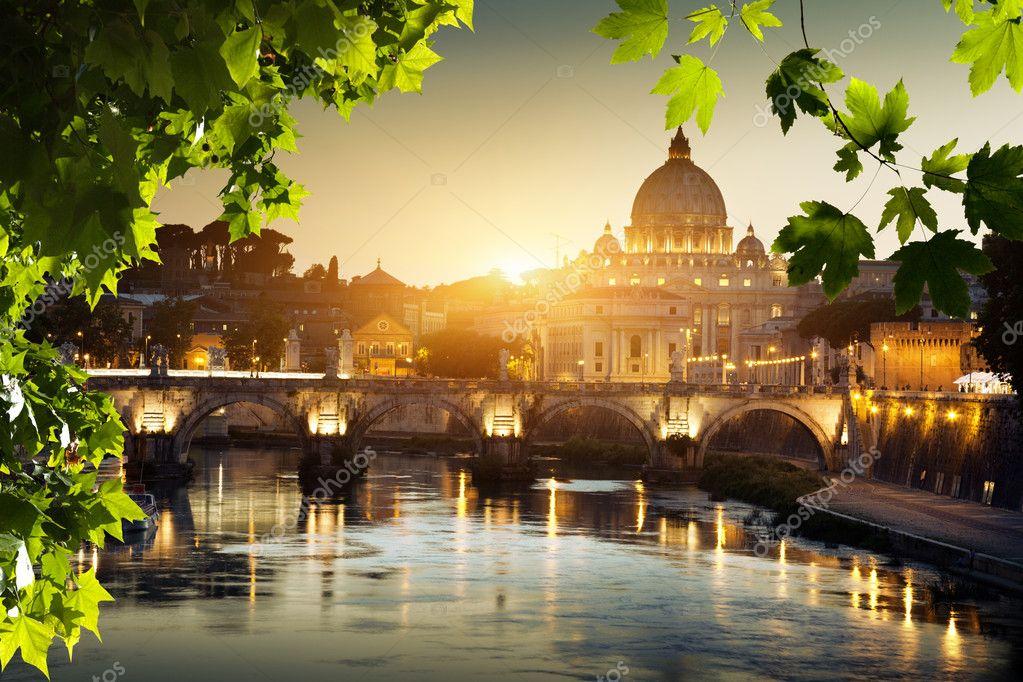 The Vatican Seen Past the Tiber River, Rome, Italy  № 1467658 бесплатно