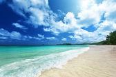 Playa en praslin island, seychelles — Foto de Stock
