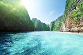 Bay at Phi phi island in Thailand — Stock Photo