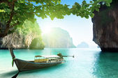 Boat on small island in Thailand — Stock Photo