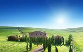 Paisaje de la toscana con casa de labranza típica, italia — Foto de Stock