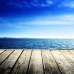Caribbean sea and wooden platform — Stock Photo