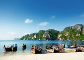Boats on Phi Phi island Thailand — Stock Photo