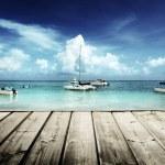 Caribbean beach and yachts — Stock Photo
