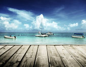 Caribbean beach and yachts — Stock Photo
