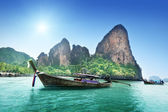 Boats on Railay beach in Krabi Thailand — Stock Photo
