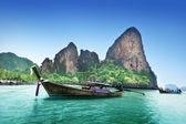 Boats on Railay beach in Krabi Thailand — Stock Photo