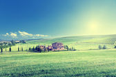Tuscany landscape with typical farm house, Italty — Stok fotoğraf