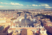 Saint Peter's Square in Vatican, Rome, Italy — Stock Photo