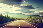 Carretera en las montañas — Foto de Stock