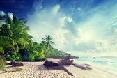 Sunset on Seychelles beach — Stock Photo
