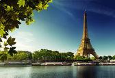 Seine i paris med eiffeltornet — Stockfoto