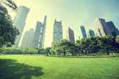Park in  lujiazui financial centre, Shanghai, China — 图库照片