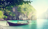 Long boat on island in Thailand — Foto Stock