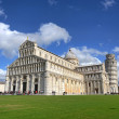 Leaning tower and cathedral of Pisa — Stock Photo