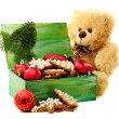 Christmas toys and gingerbread in a box. — Zdjęcie stockowe