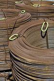 Sjet z tlusté oceli rezavé armatury — Stock fotografie