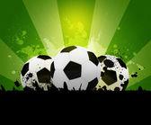 美しいしみの背景にサッカー ボール — ストック写真