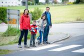 Family will passing the Crosswalk — Stock Photo
