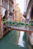 Romántico puente en venecia — Foto de Stock