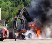 Vigile del fuoco in azione — Foto Stock