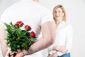 Róże dla dziewczyny — Zdjęcie stockowe