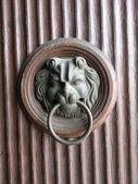 Door Knocker with Lion Head — Stock Photo
