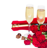 Valentine's day champagne and roses — Стоковое фото
