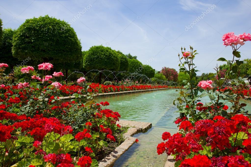 Jardines del alc zar de c rdoba espa a foto stock for Jardines cordoba