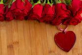 红玫瑰心 — 图库照片