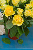 Bouquet of yellow roses close up — Stock Photo