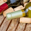 Red and white wine bottles - Foto de Stock