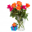 Bouquet of  orange roses  in vase and  gift box — Stockfoto